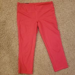 Gap workout leggings size M capri length pink